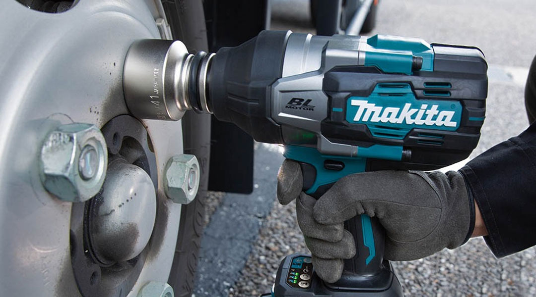 Toptopdeal-MAKITA-DTW1001-XGT--40V-MAX-BRUSHLESS-3-4--IMPACT-WRENCH