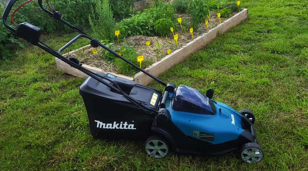 Tips for Secure, Effective Mowing- lawn mower Toptopdeal topdeal
