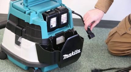Toptopdeal Makita DVC863LZ Dust Extractor