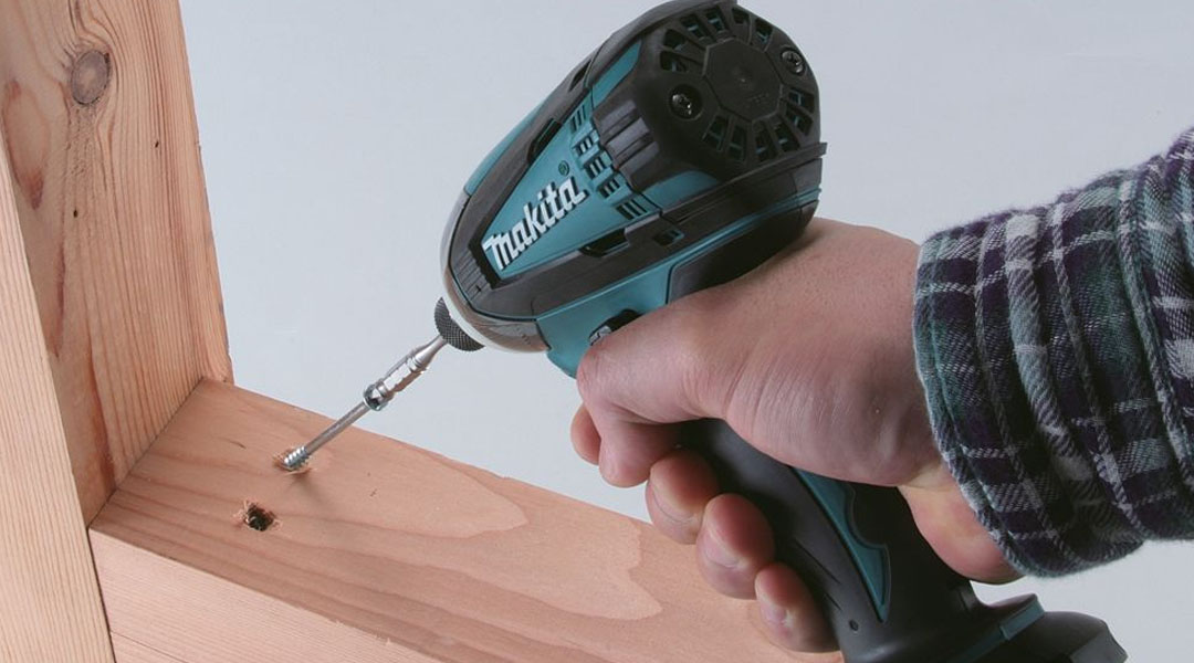 toptopdeal Makita DTW190Z Is this the right brushless Impact Wrench for Makita